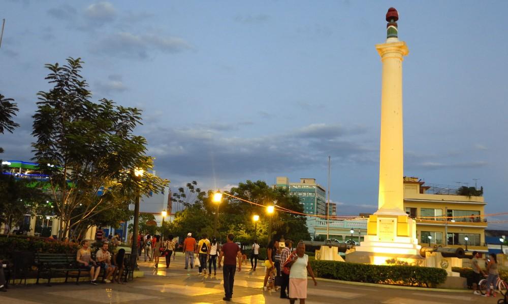 Hay gente que amanece en los parques (Foto: Julio Batista)