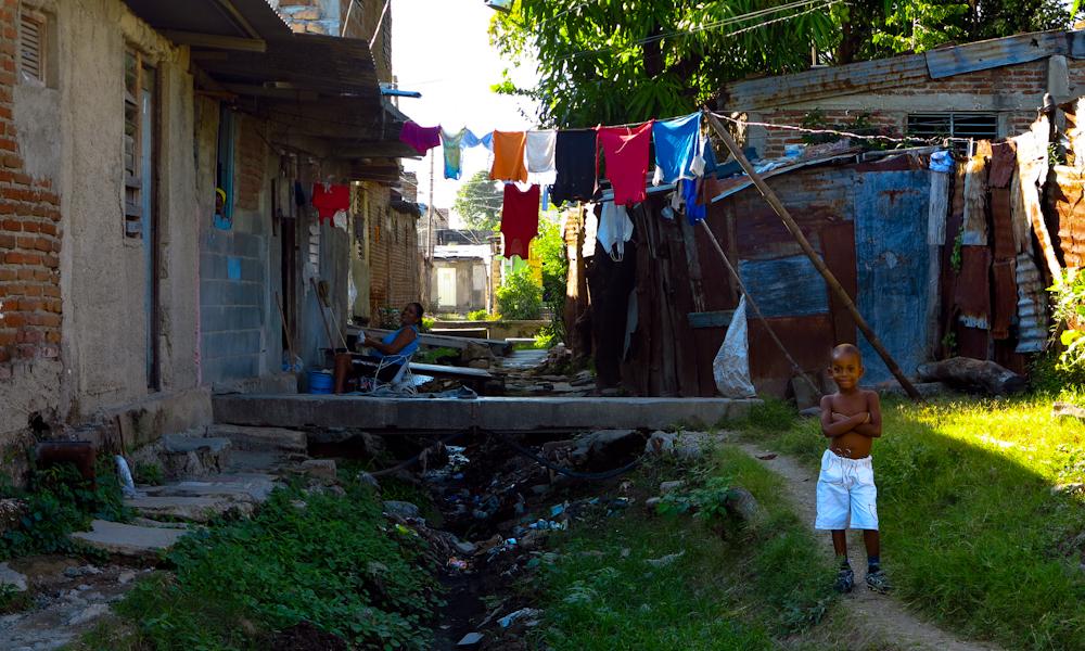 Por la calle Frías, esta podría ser una primera impresión de la zanja (Foto: Mónica Baró)